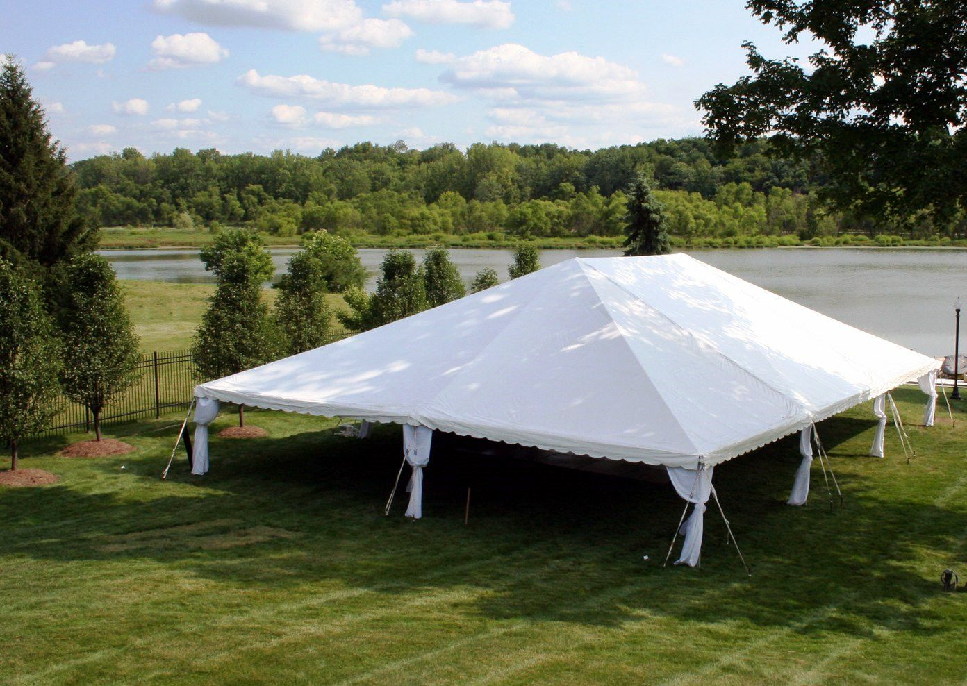 Frame Tent & Frame Tent | A Classic Party Rental | Indianapolis Party Rental